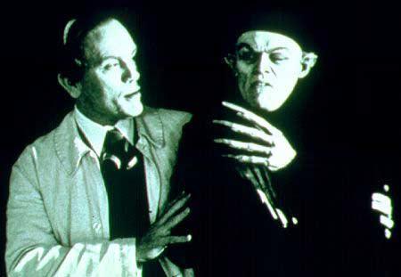 http://www.films-vampires.com/illus/79.jpg